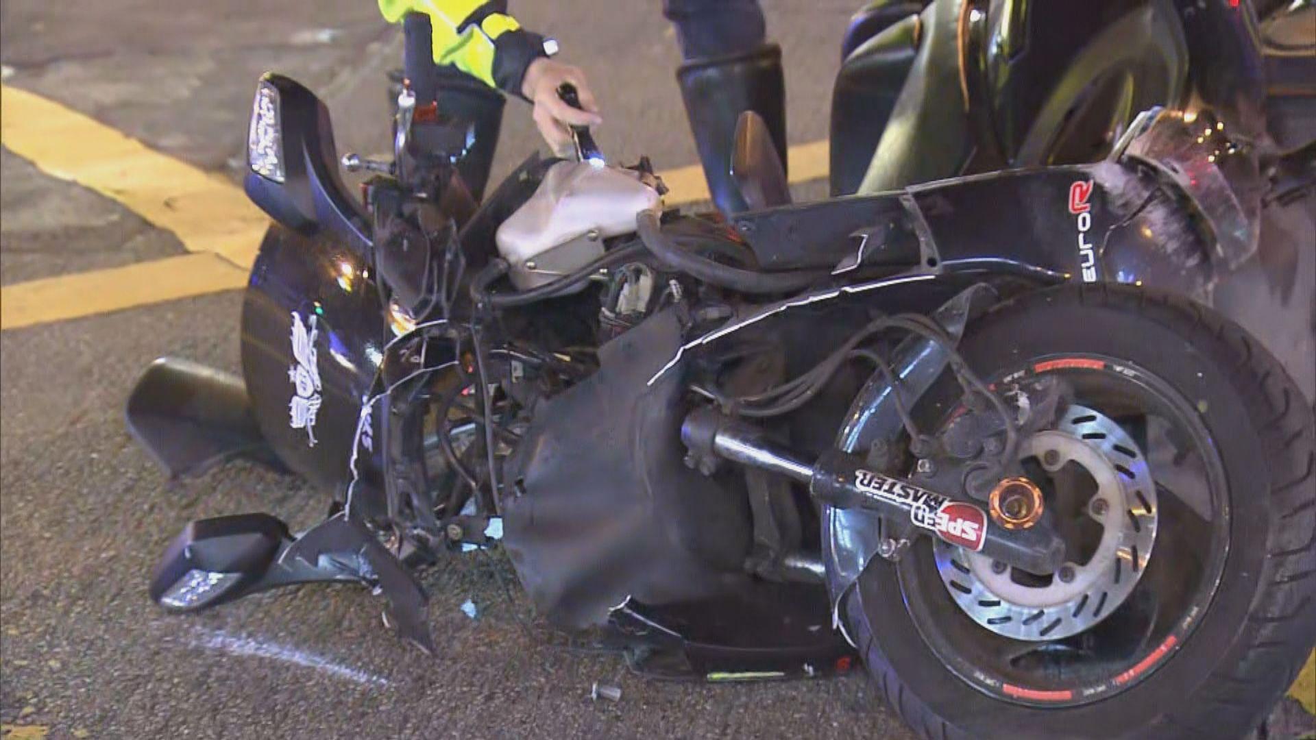銅鑼灣電單車與警車相撞釀三傷