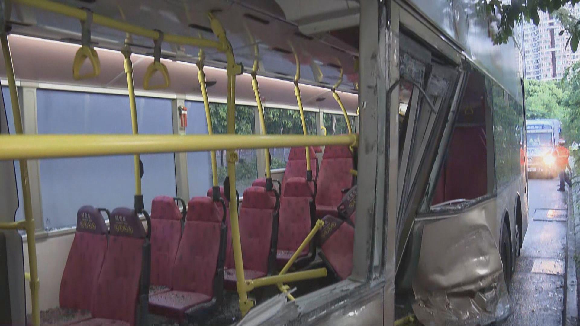 上水巴士小巴相撞七人受傷送院