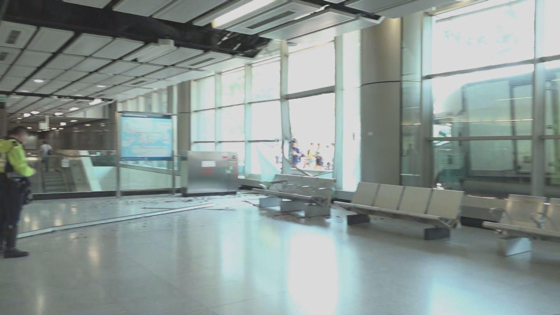 貨車失事撞毀南昌站一列玻璃