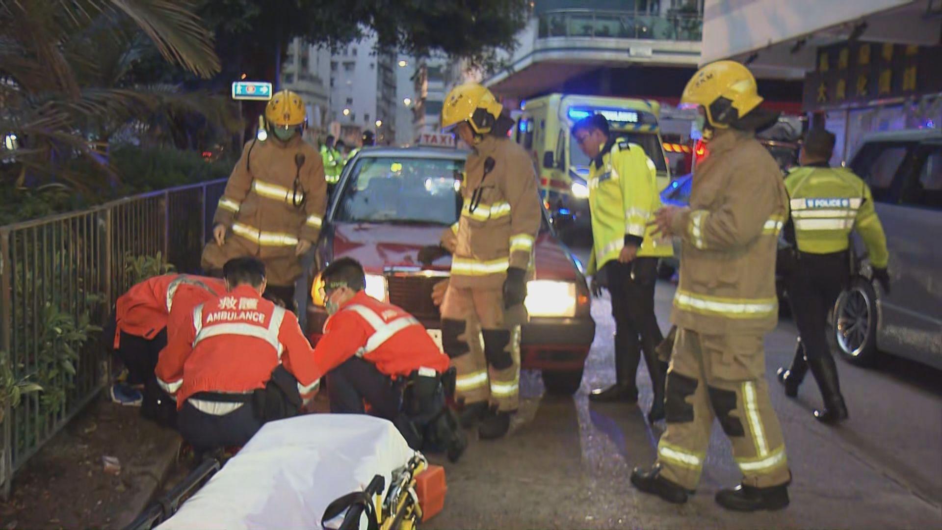深水埗一男子被的士撞倒 一度捲入車底
