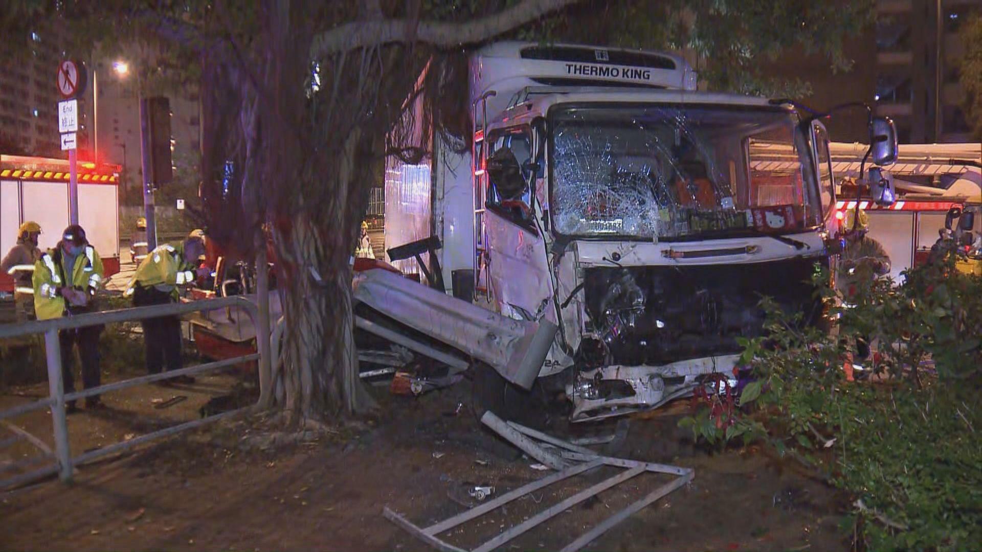 沙田的士與貨車相撞釀一死四傷