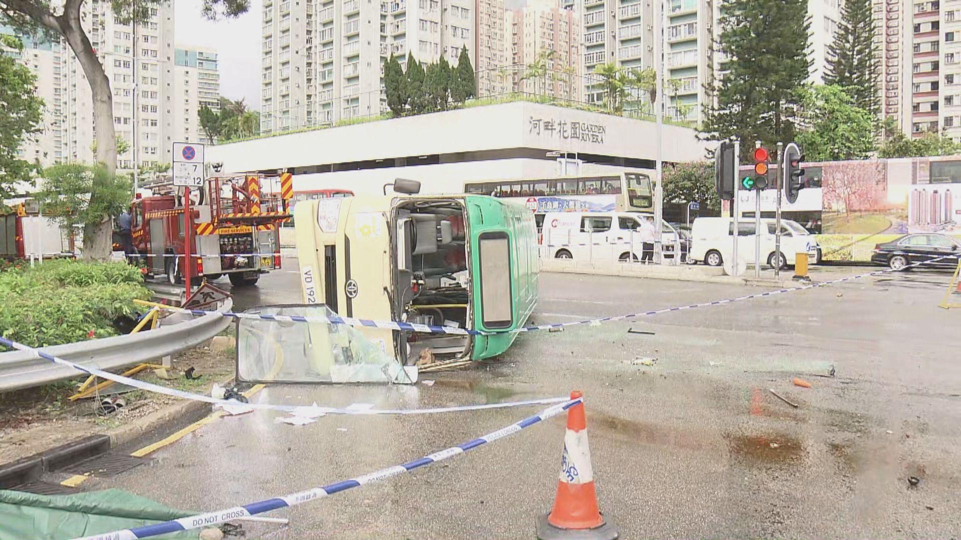 沙田大涌橋路車禍 警方證實死者為小巴司機