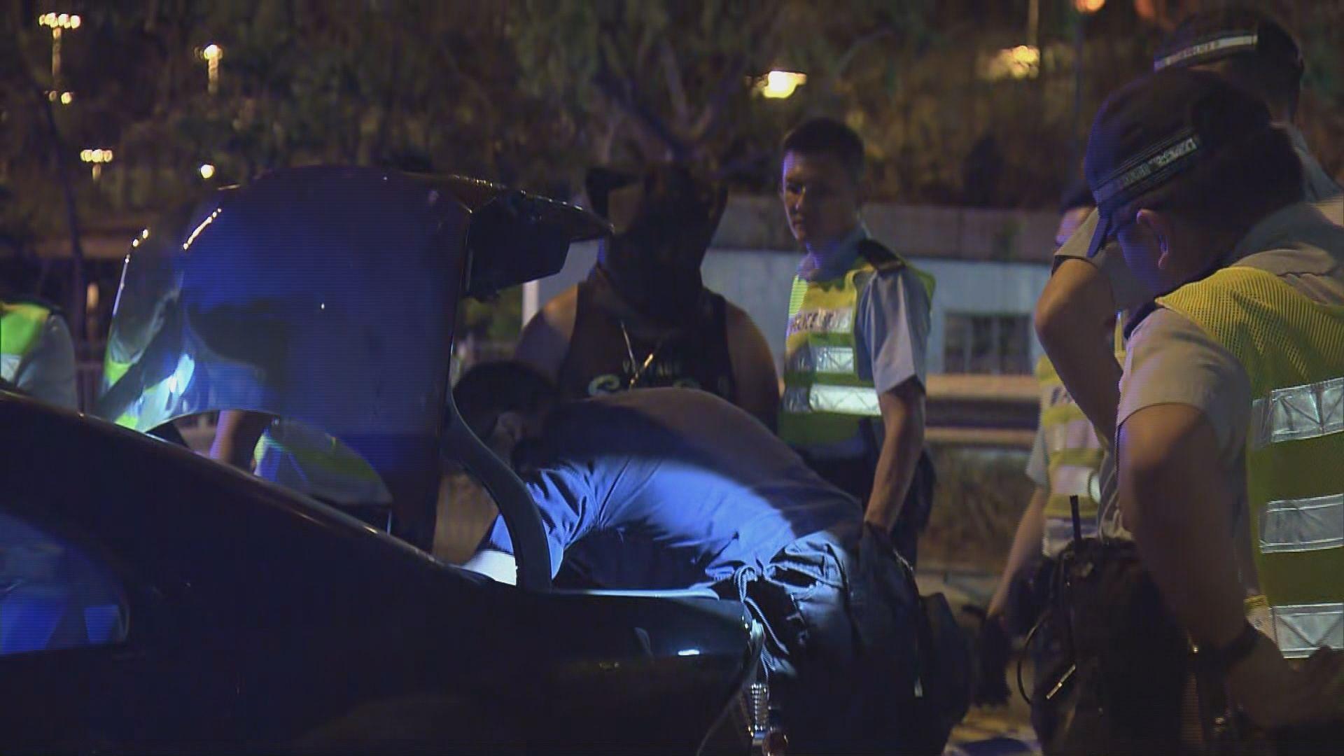 沙田私家車衝路障撞欄司機被捕