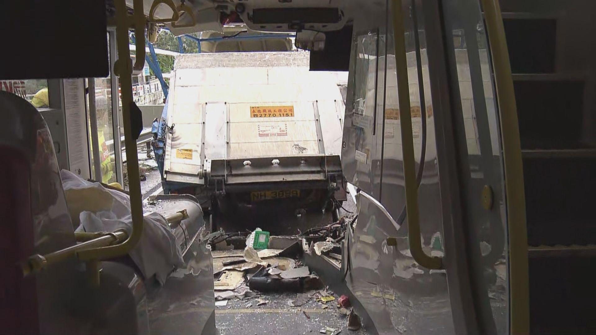 城門隧道車禍 九巴︰對意外感到非常難過