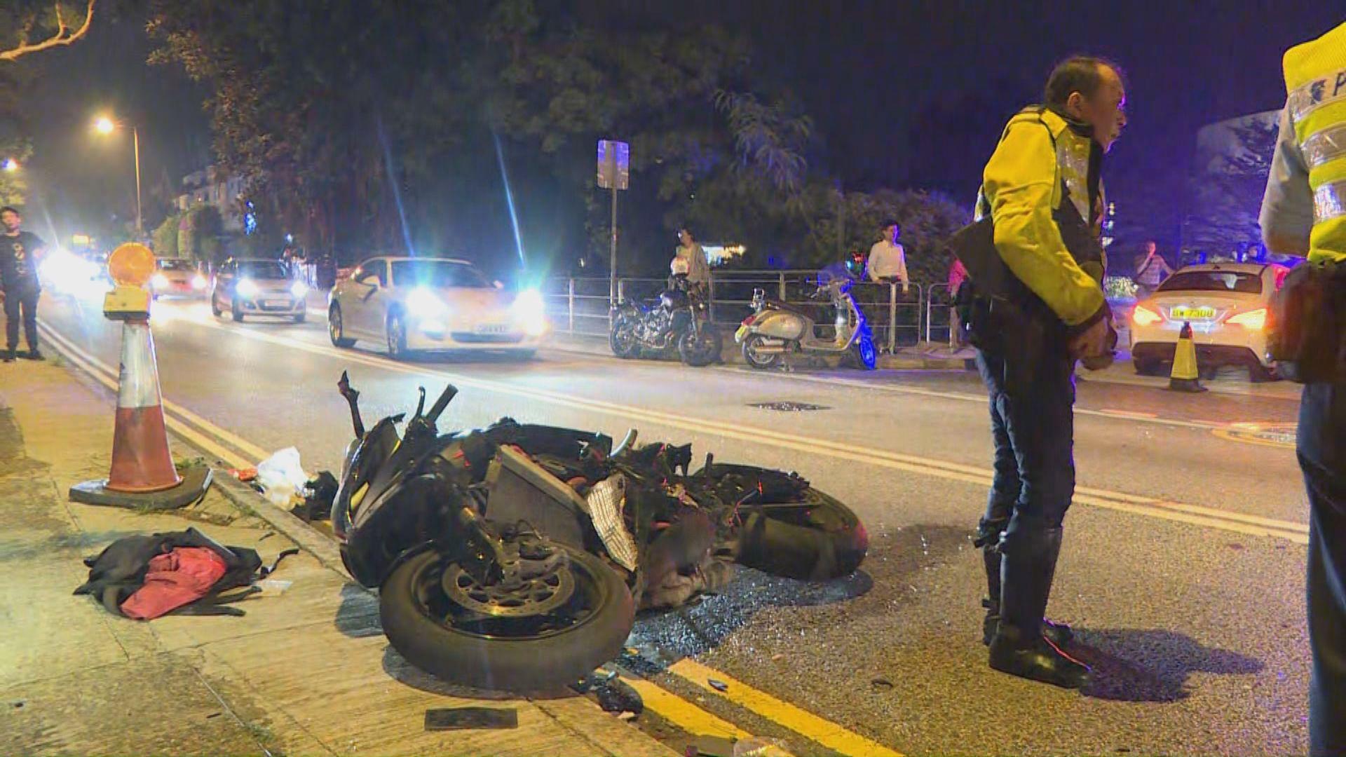 將軍澳電單車與私家車相撞釀一死