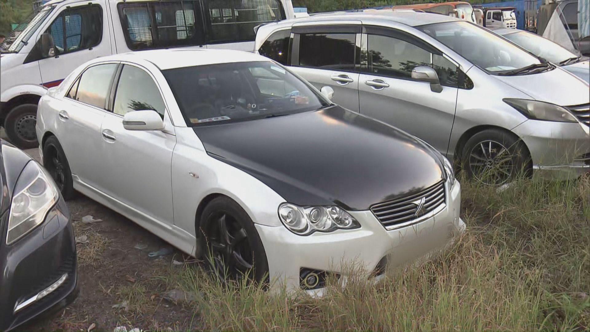屯門男子遇襲逃跑遭輾斃 警方發現一輛懷疑肇事私家車