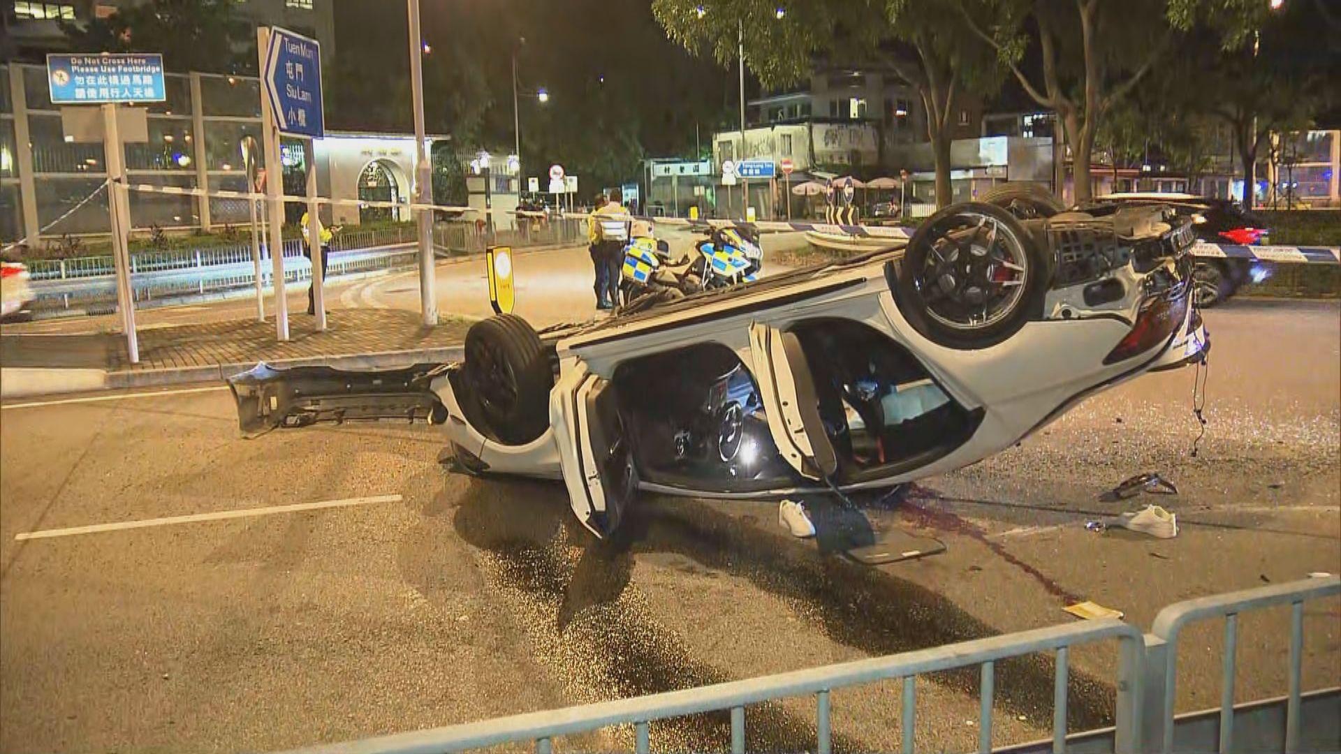 荃灣私家車失事翻轉 三人受傷送院