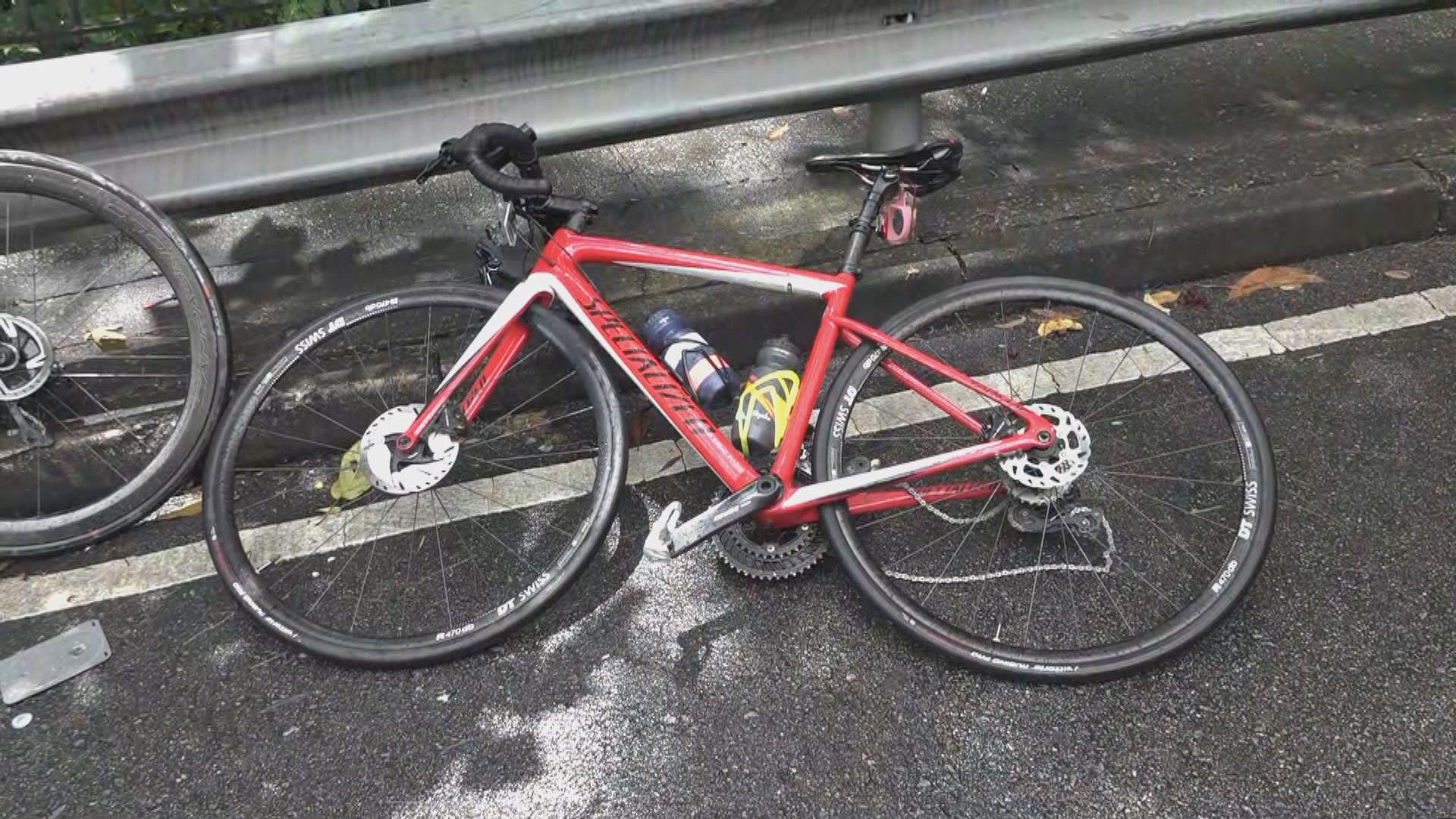 荃灣有旅遊巴與單車相撞 踏單車男子死亡