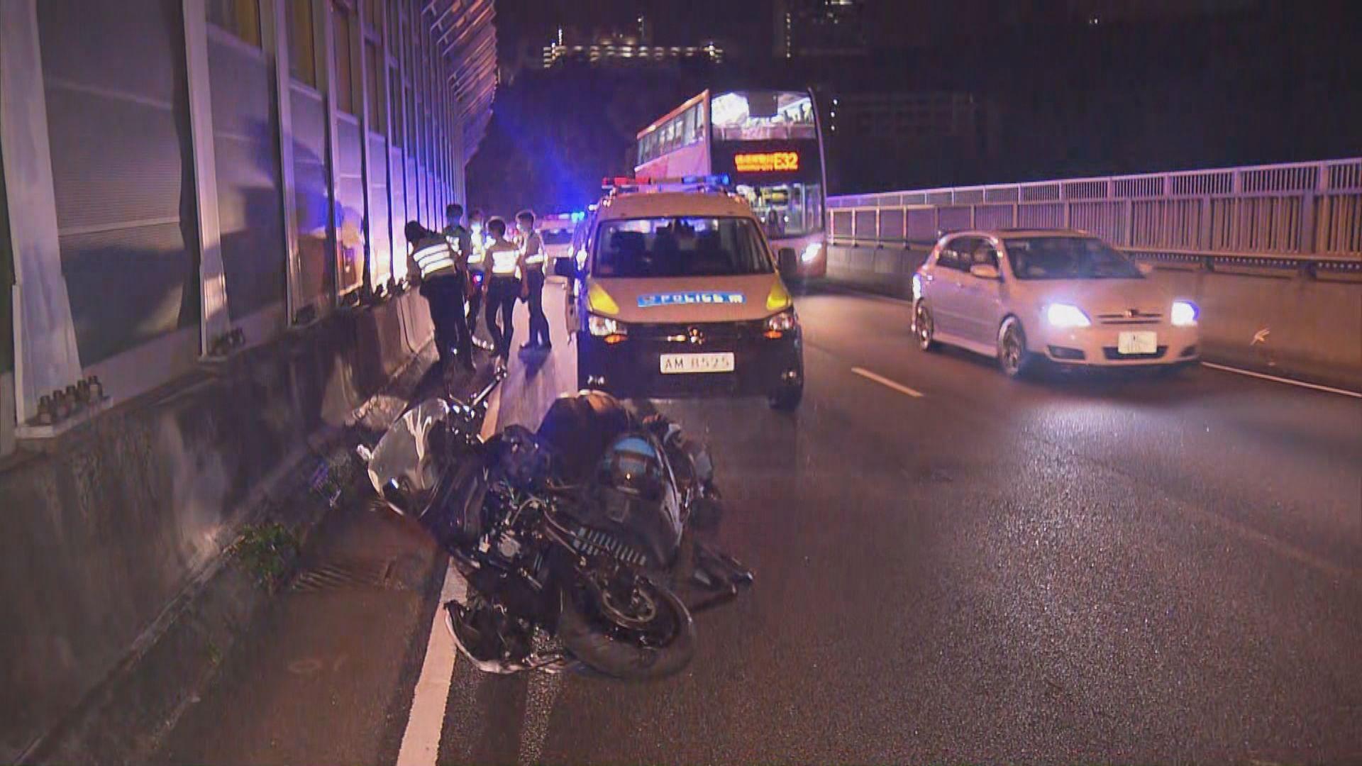 青衣車禍電單車司機受傷涉酒後駕駛