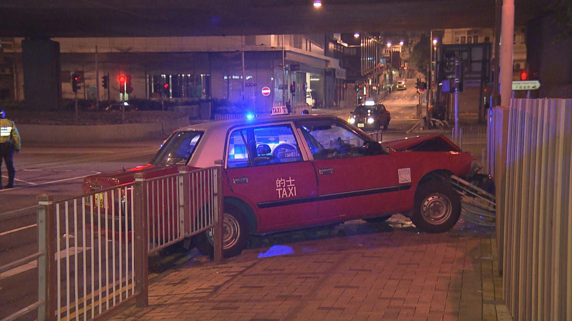 西環的士失事撼鐵欄司機亡