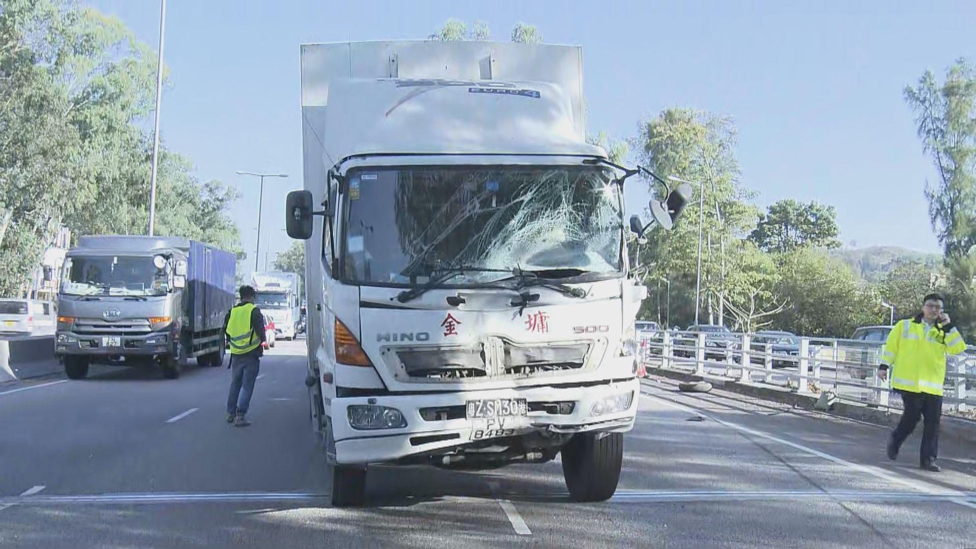 新田公路三車相撞一死一傷 兩名司機被捕