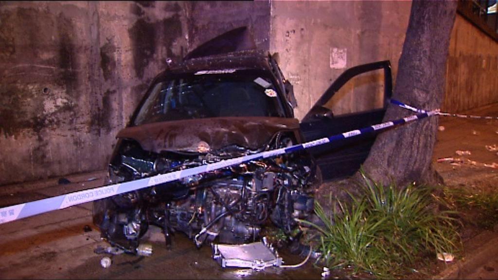 香港仔私家車失事撼牆 司機昏迷