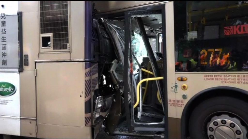 黃大仙兩巴士相撞27人傷