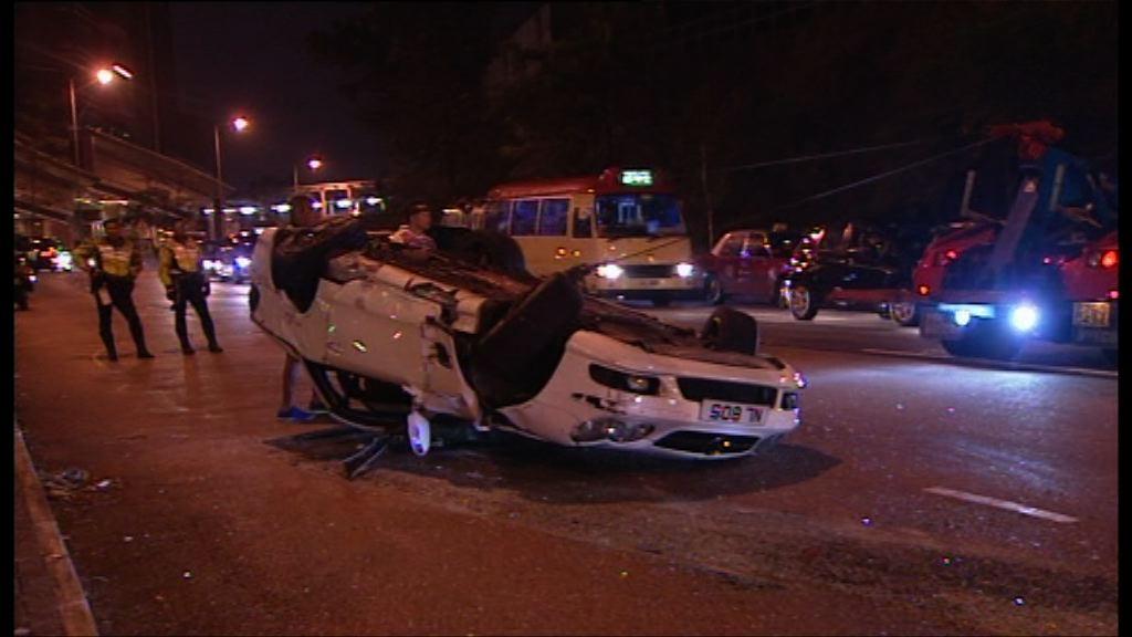 何文田兩車相撞兩司機受傷