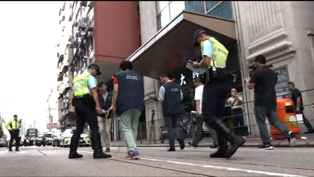 警方再到深水埗三死車禍現場調查