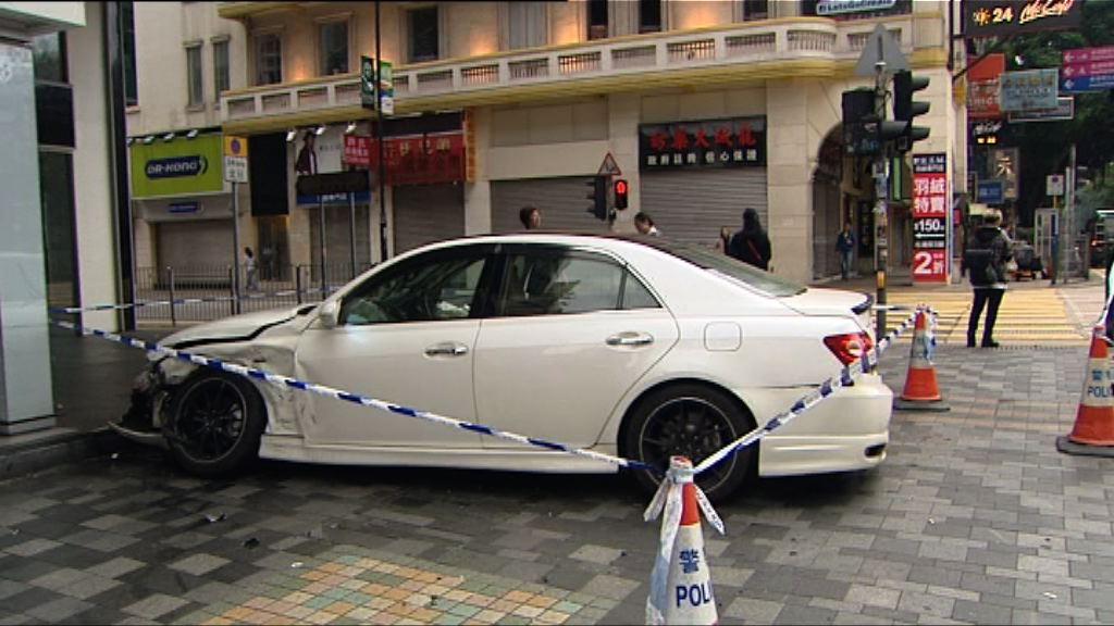 佐敦兩私家車相撞一人受傷