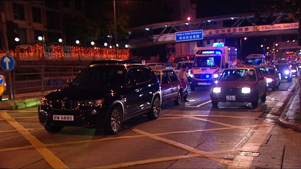九龍塘三車相撞三人受傷