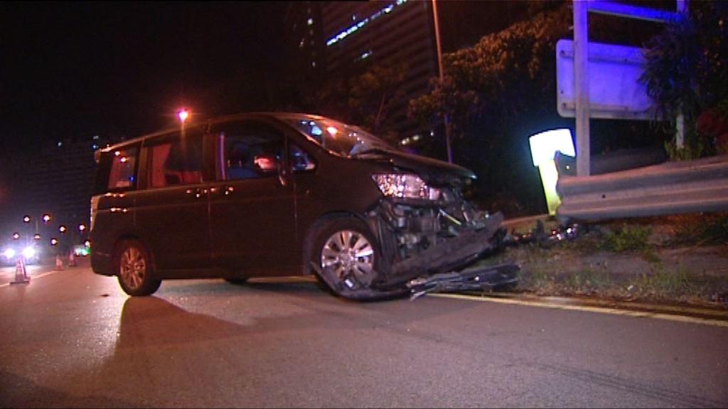 葵涌私家車失事撞欄司機死亡
