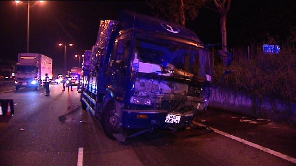 北大嶼山公路貨車疑收掣不及撞斃拖車司機