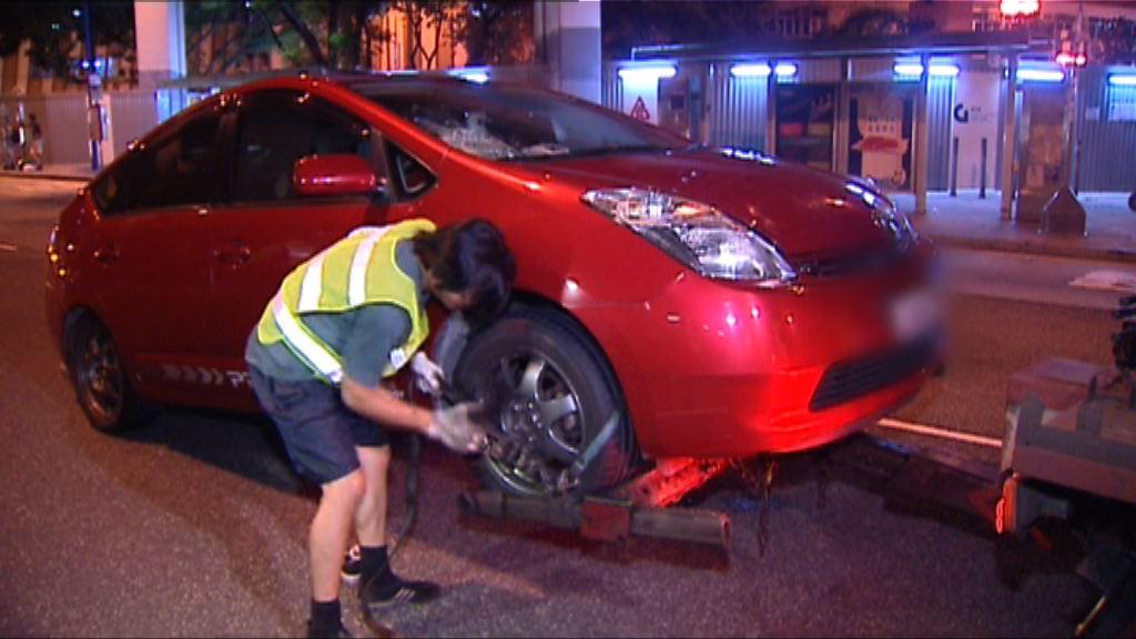 牛頭角私家車撞女途人昏迷