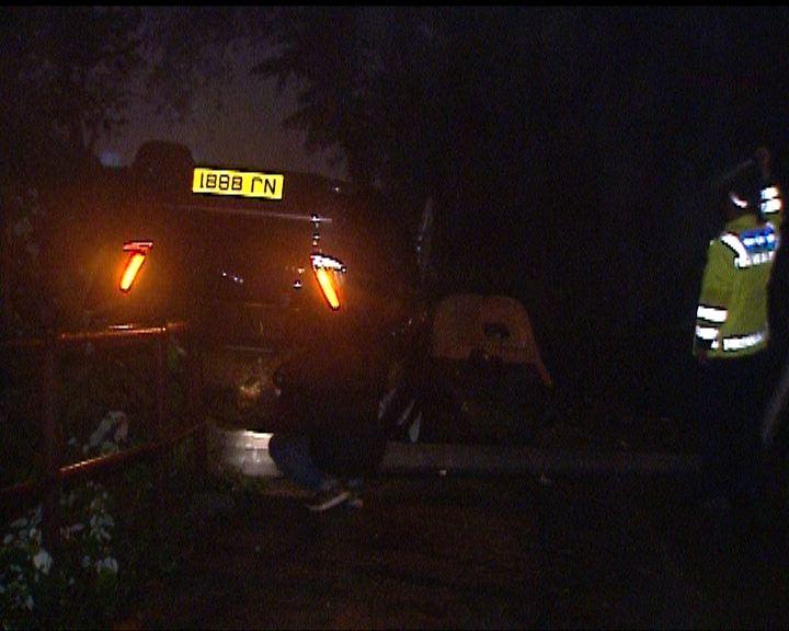 山頂私家車失事墮山坡司機受傷