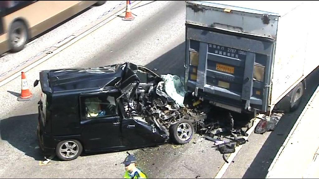 落馬洲私家車撞貨車一人死亡
