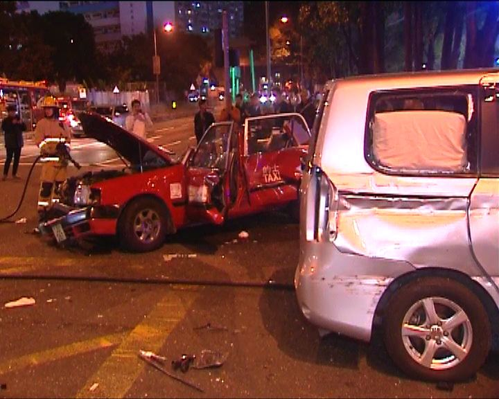 沙田四車相撞一死十九傷