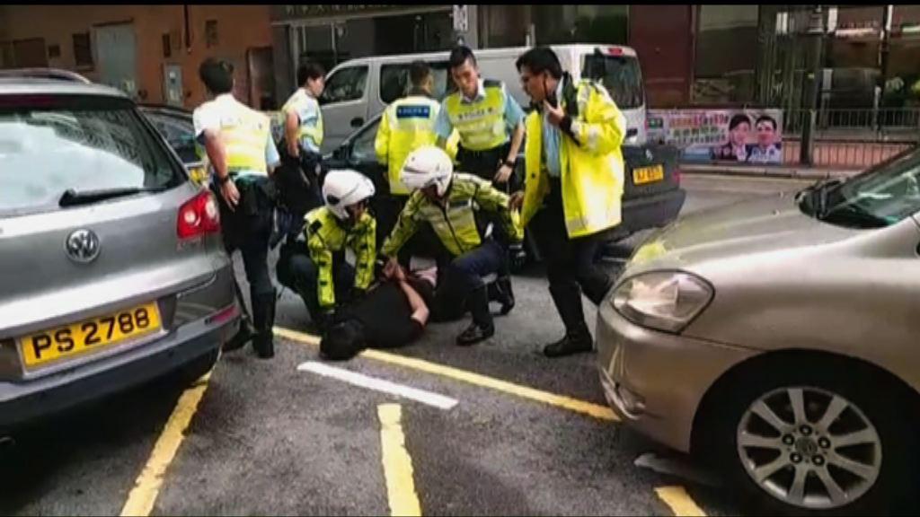 警方沙田截可疑私家車拘兩人