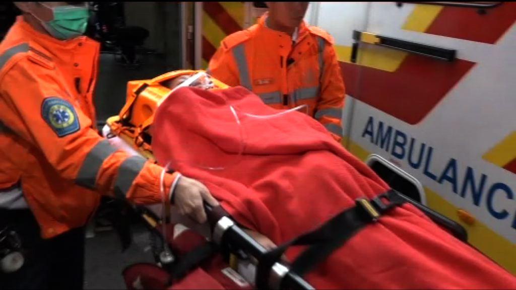 新蒲崗兩名女學生遭小巴撞傷送院