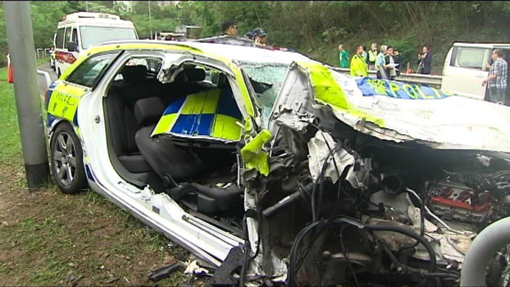 將軍澳警車與小巴相撞 三人傷