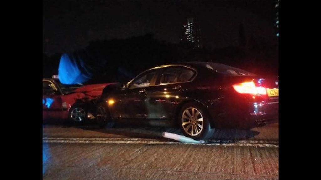 九龍城四車相撞 UBER司機死亡
