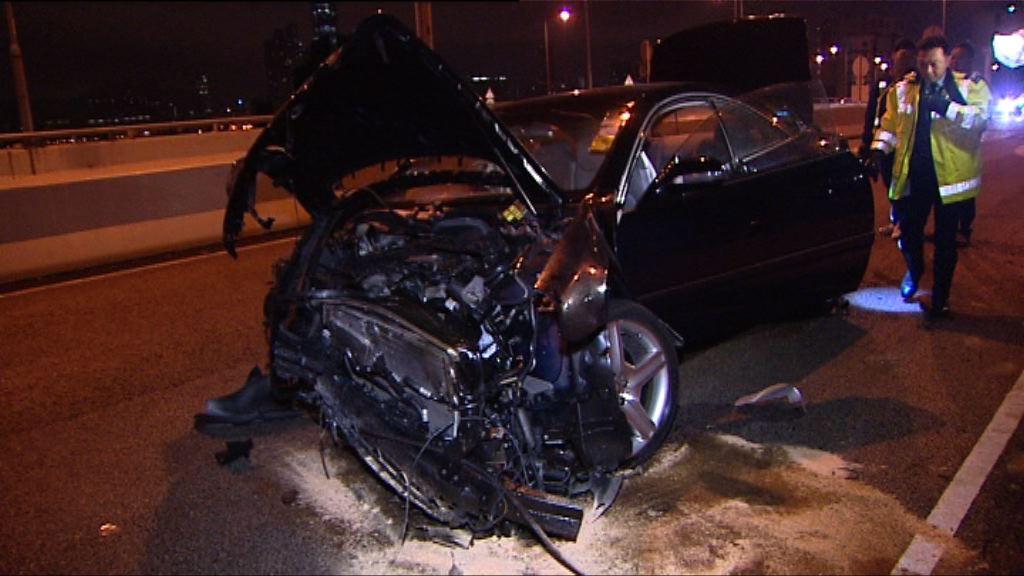 西環私家車失事司機受傷送院
