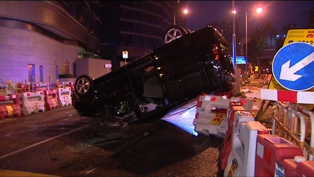 油麻地私家車與的士相撞釀一傷