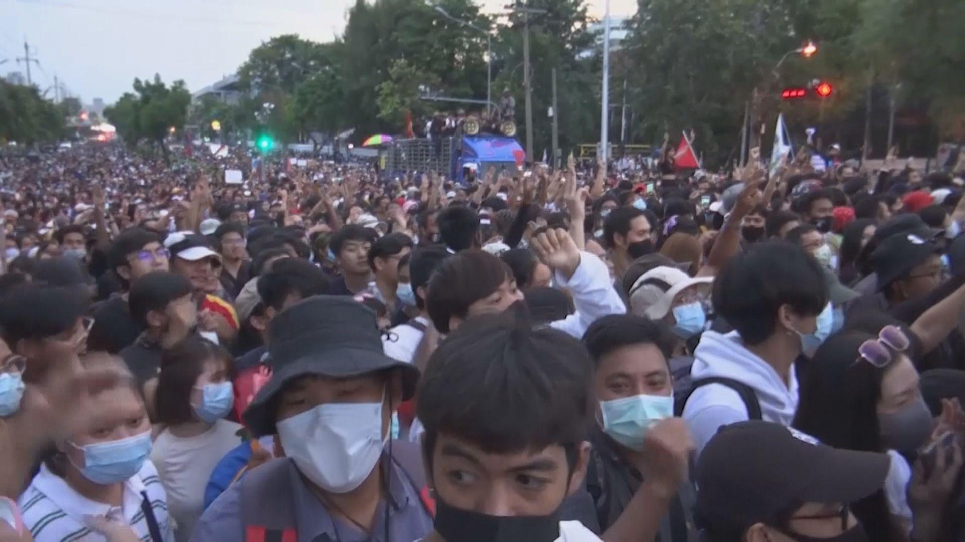 泰國曼谷進入緊急狀態 反對派表明如期下午商業區集會