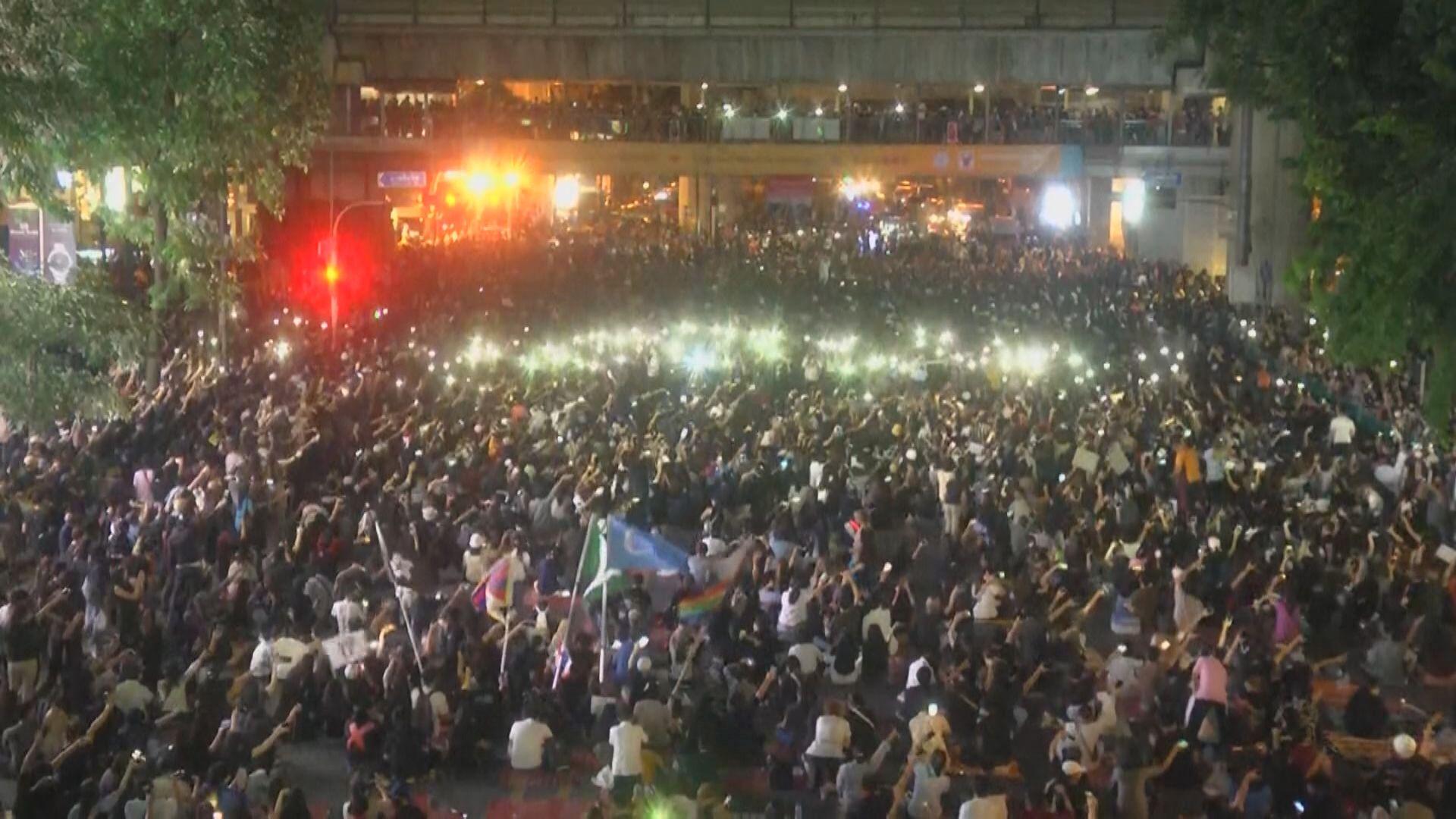 泰國反政府示威者計劃周一發起更大規模集會