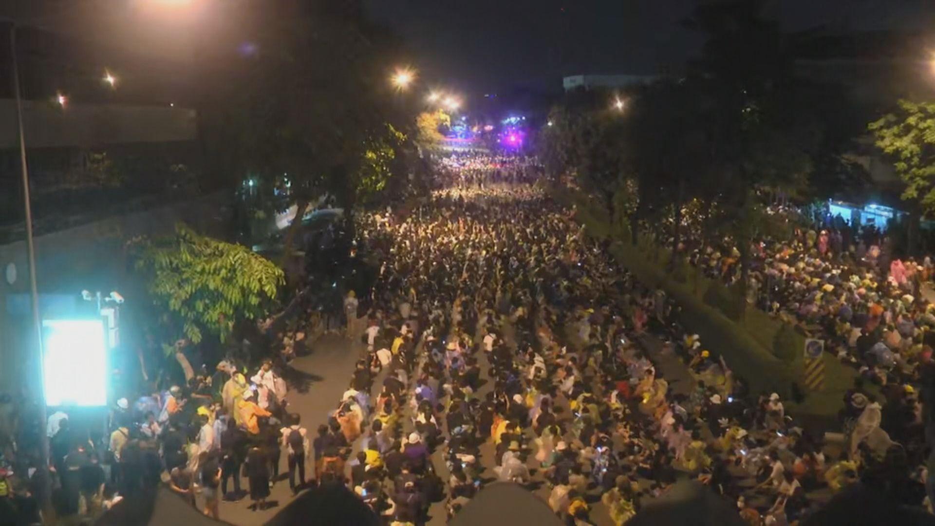 泰國總理府重申應透過國會化解分歧