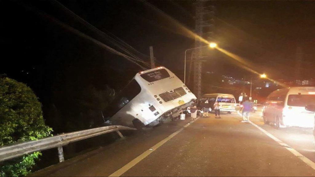 中國遊客泰國撞船及車禍逾20人傷