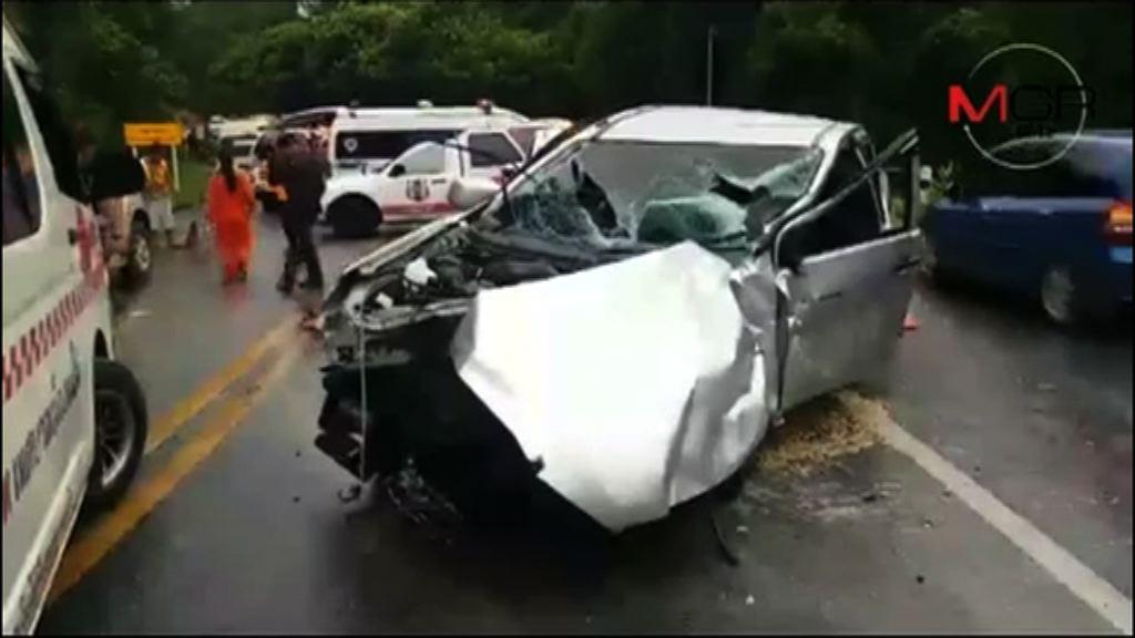 11名中國遊客清邁撞車受傷