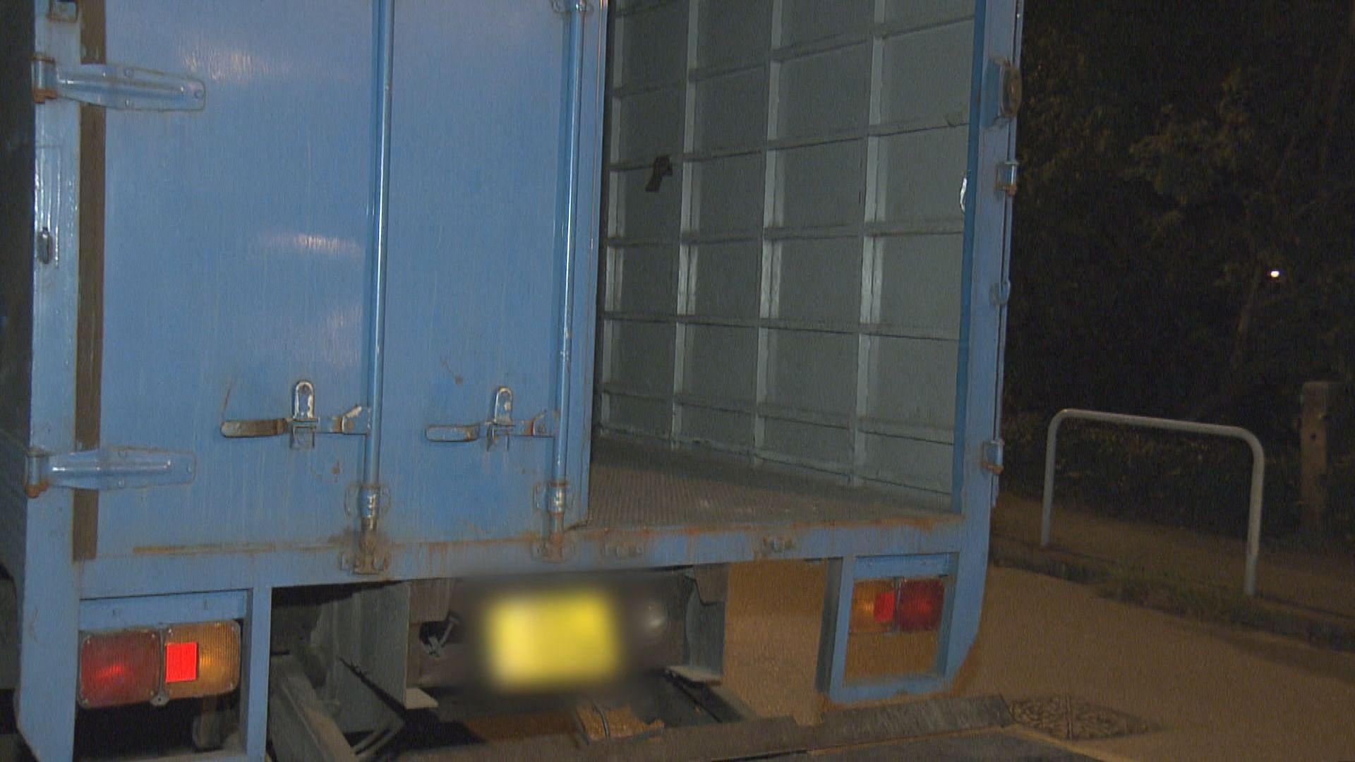 落馬洲貨車失逾百萬貨物警追緝司機