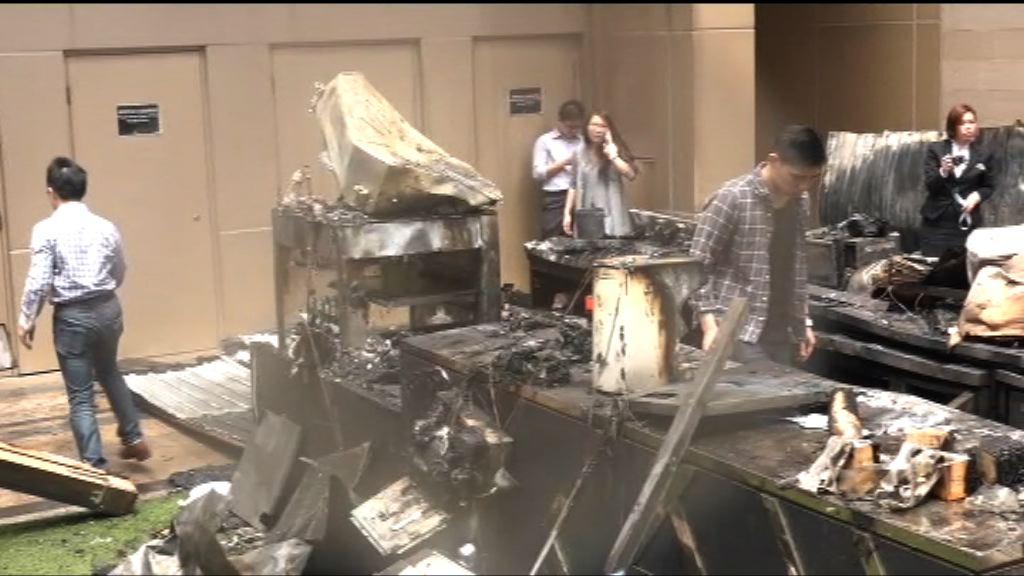 尖沙咀商場咖啡店火警 疑燈箱先起火