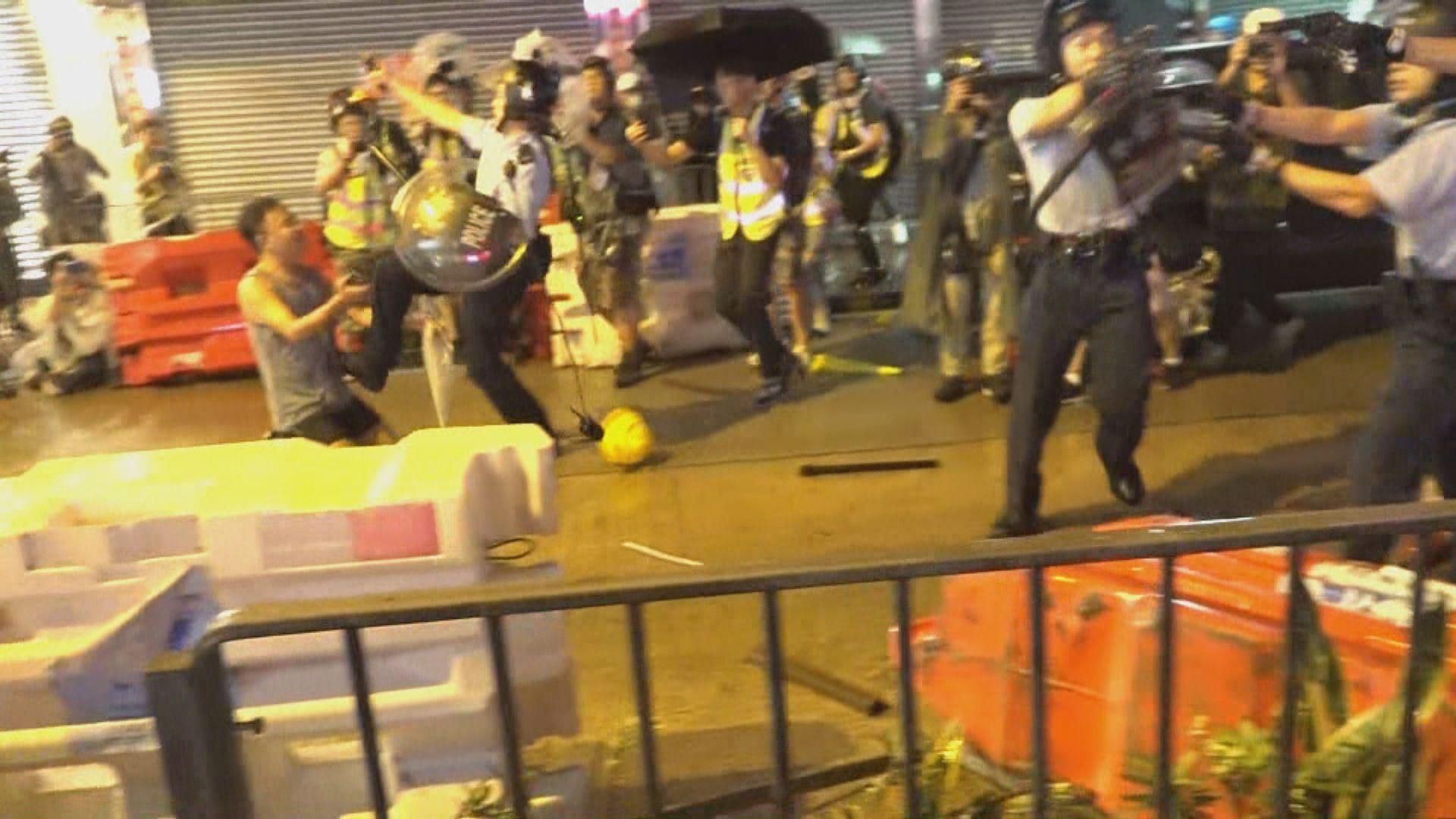 示威者二陂坊破壞 警方承認曾經開過一槍