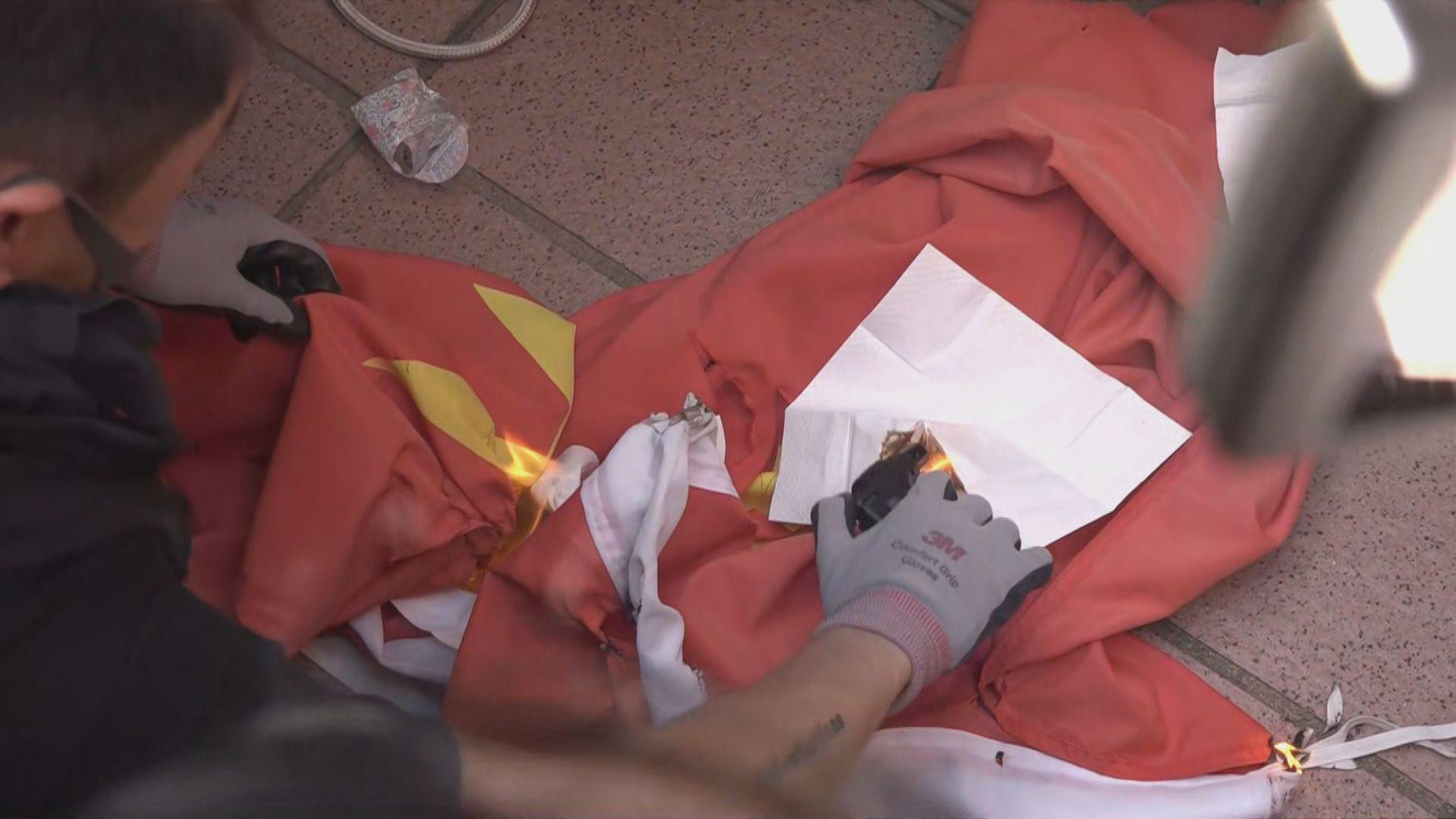 周六屯門遊行十三歲女童涉侮辱國旗被捕