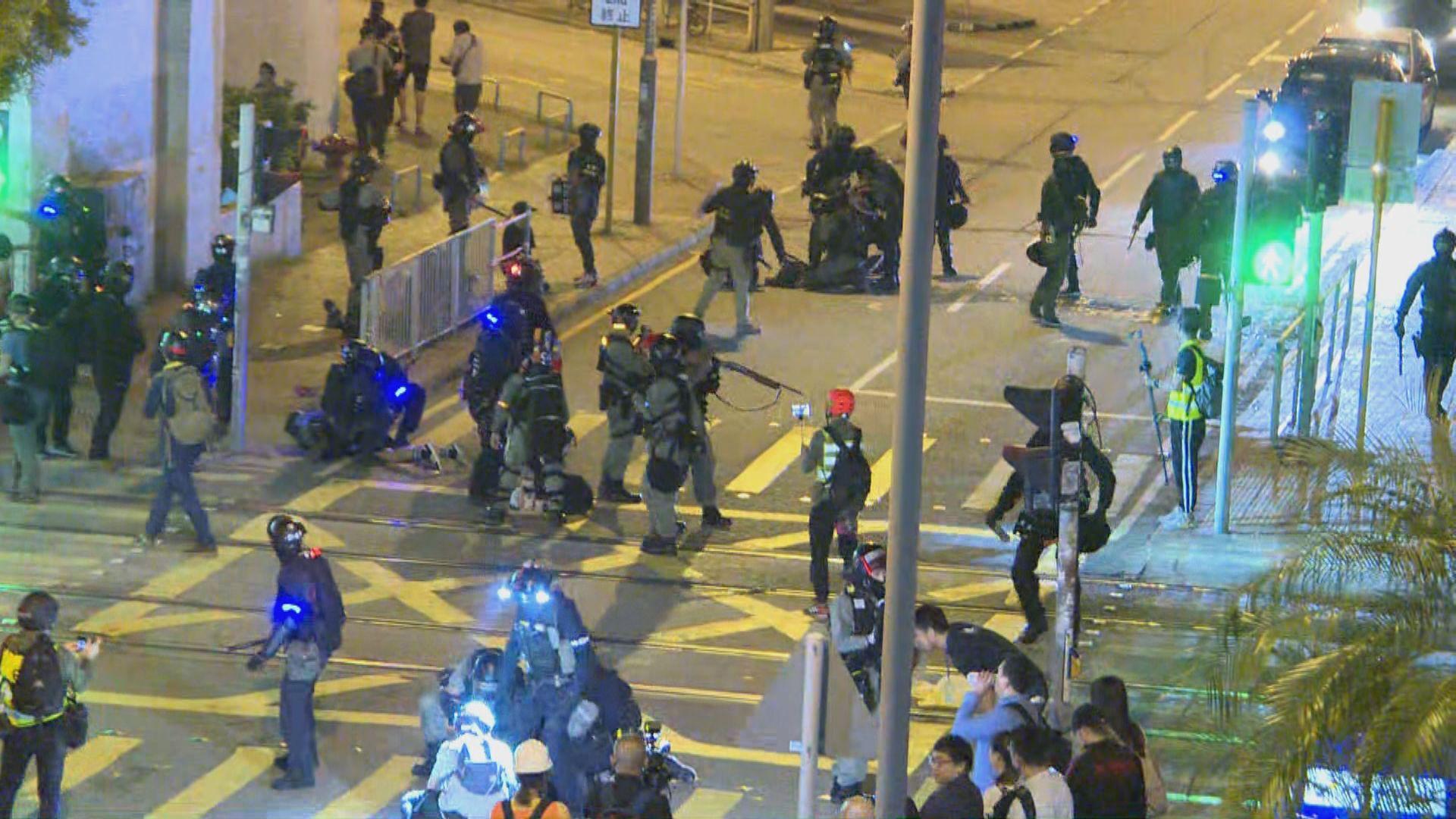 有群眾於屯門大興行動基地聚集 多人被捕