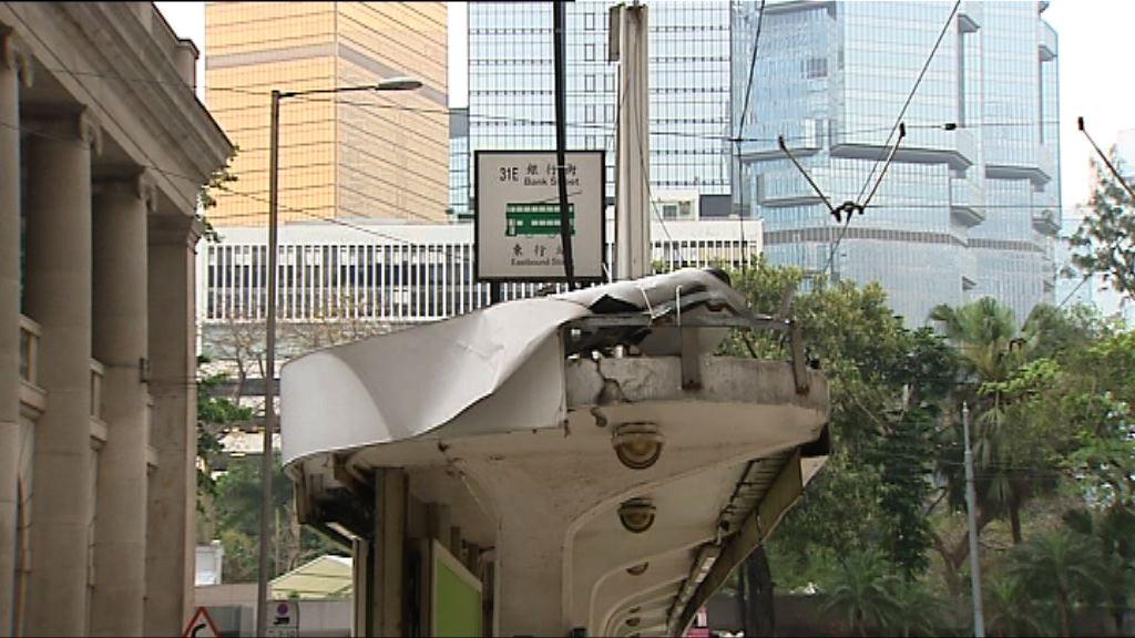有乘客擔心電車車速不穩憂再有翻側意外