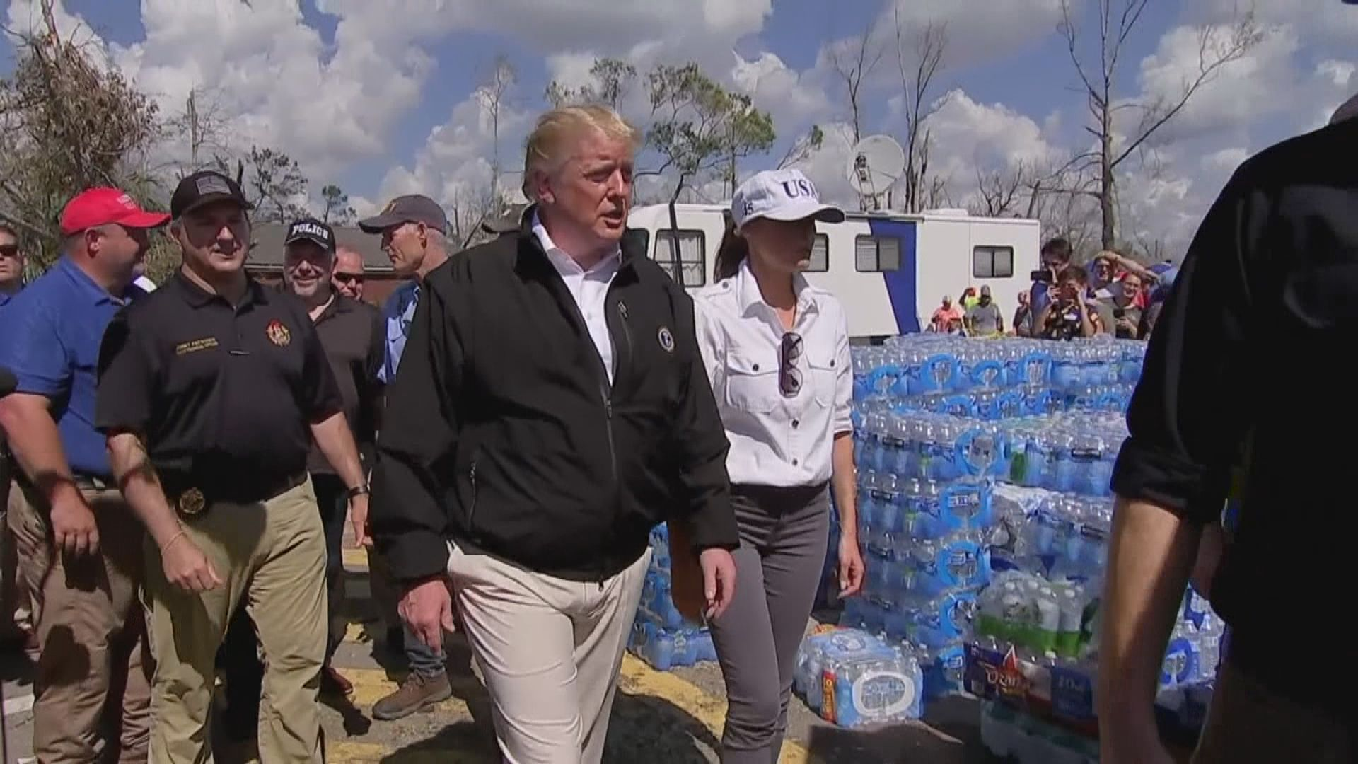 特朗普到佛羅里達州視察災情