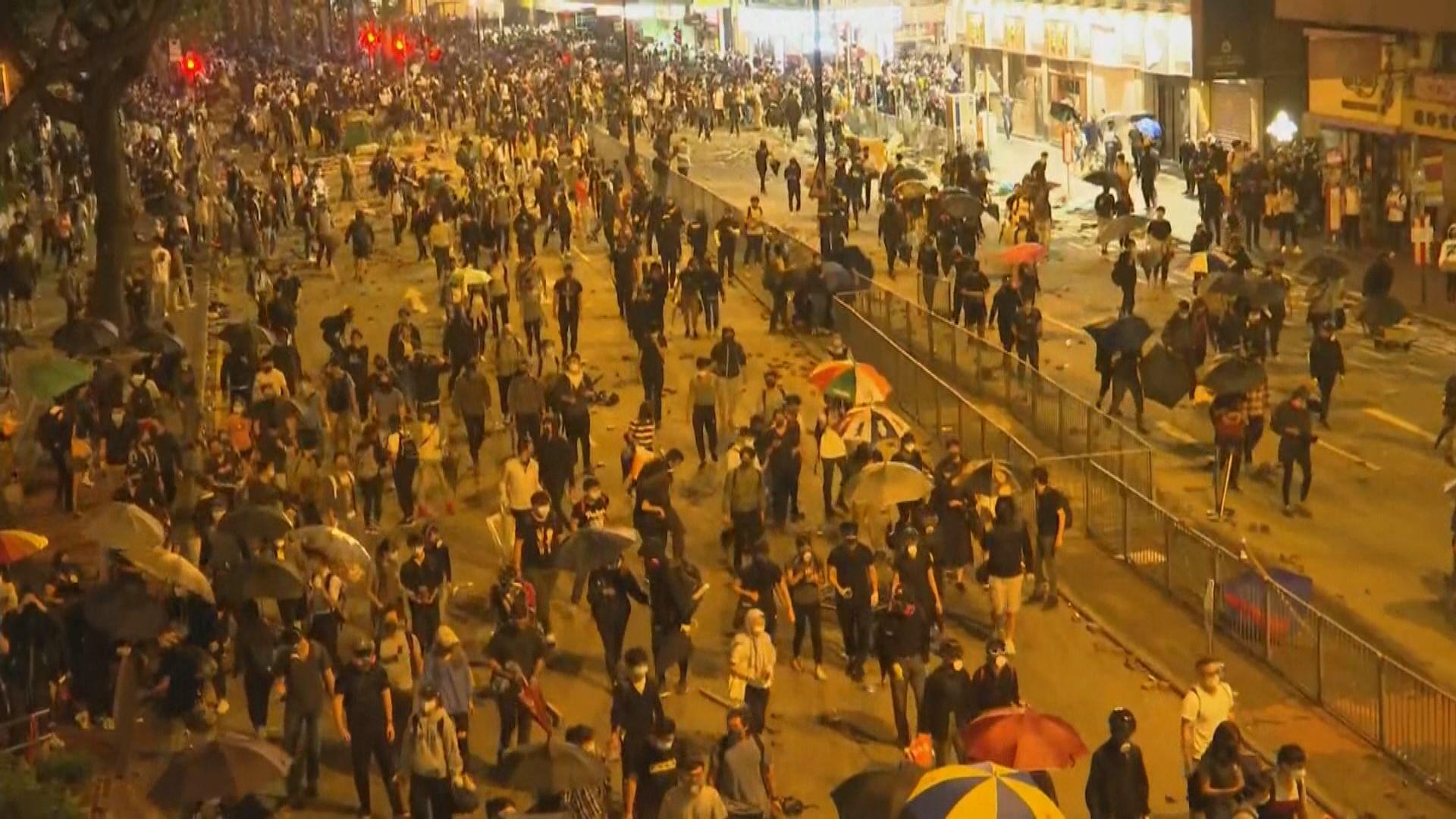 示威者在油尖旺兵分多路向理大推進