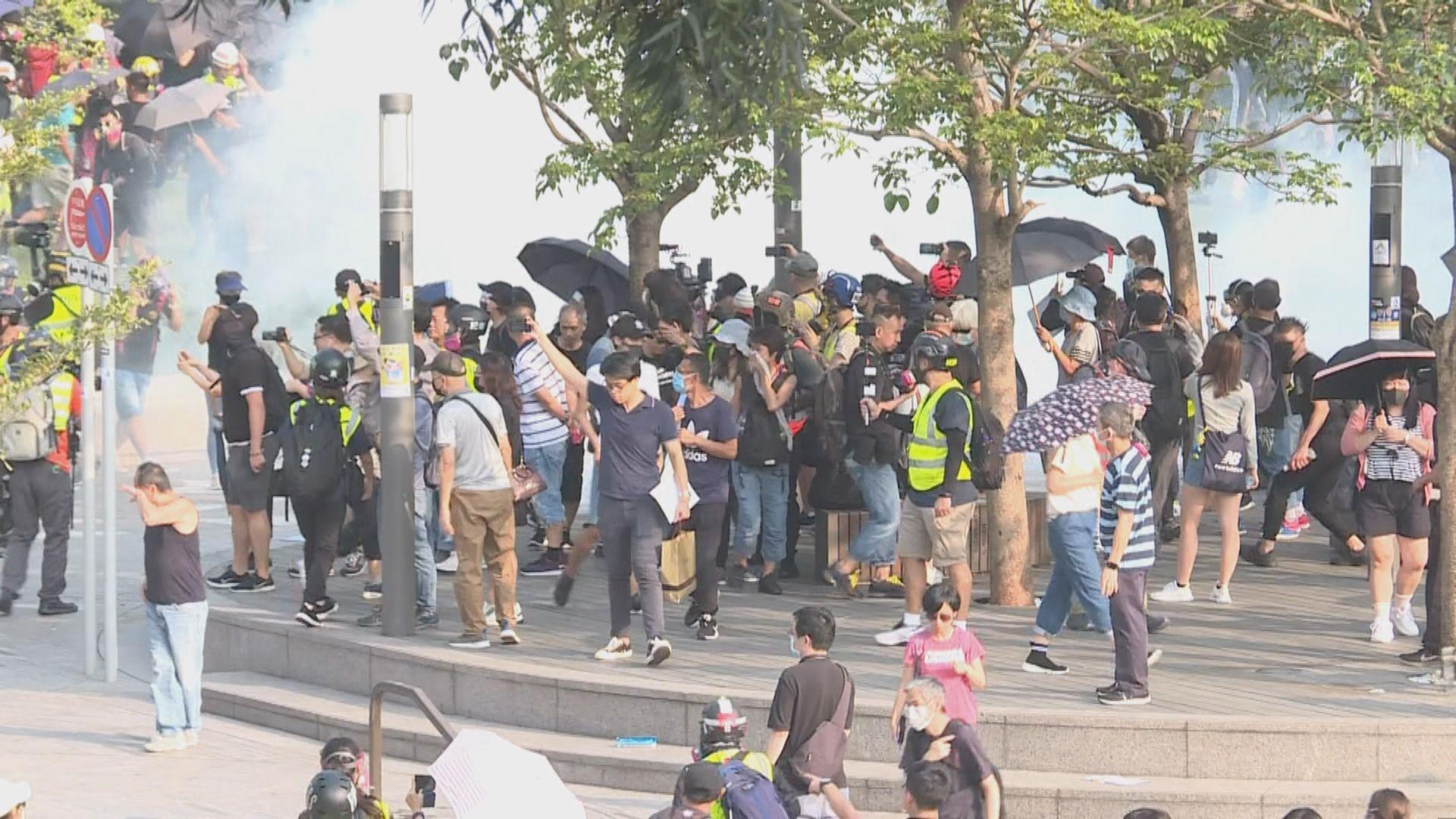 梳士巴利花園集會 防暴施放多枚催淚彈驅散