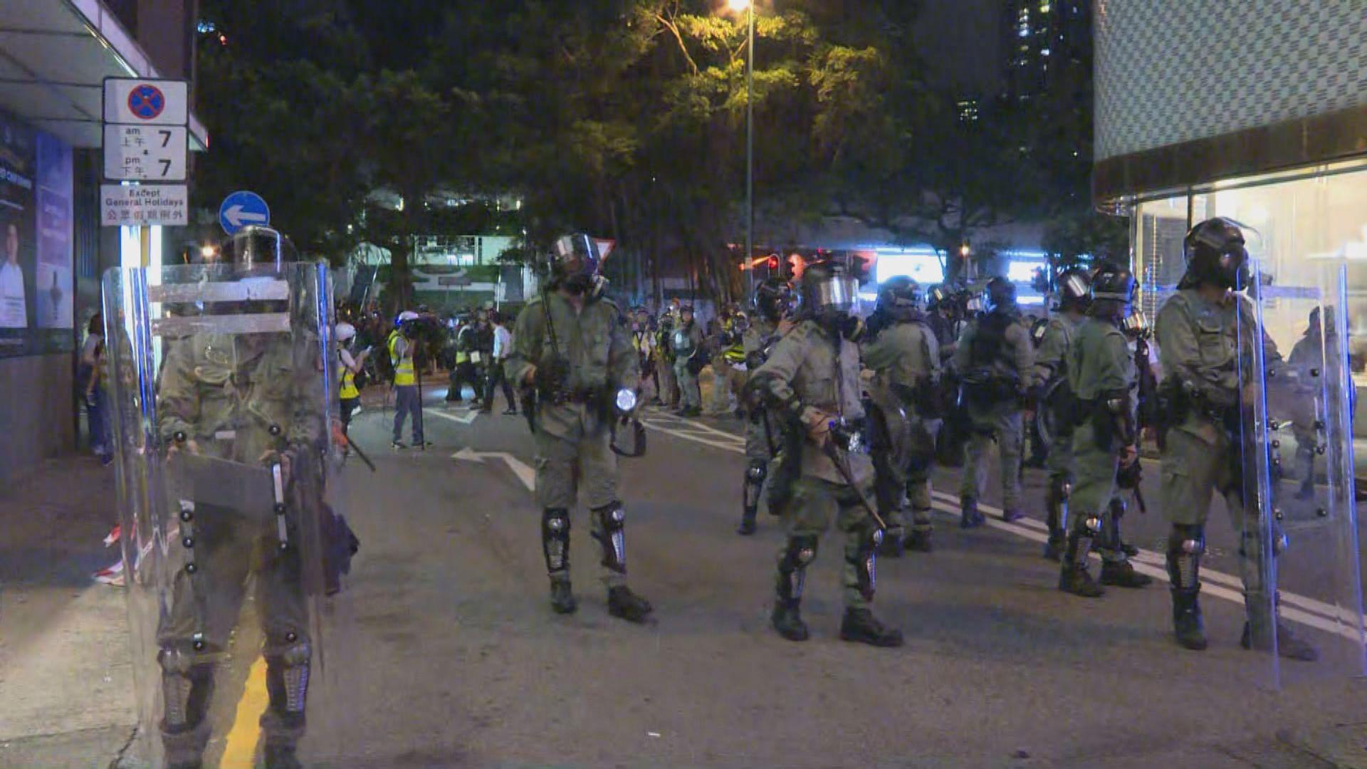 警方尖沙嘴清場期間分批尋找示威者