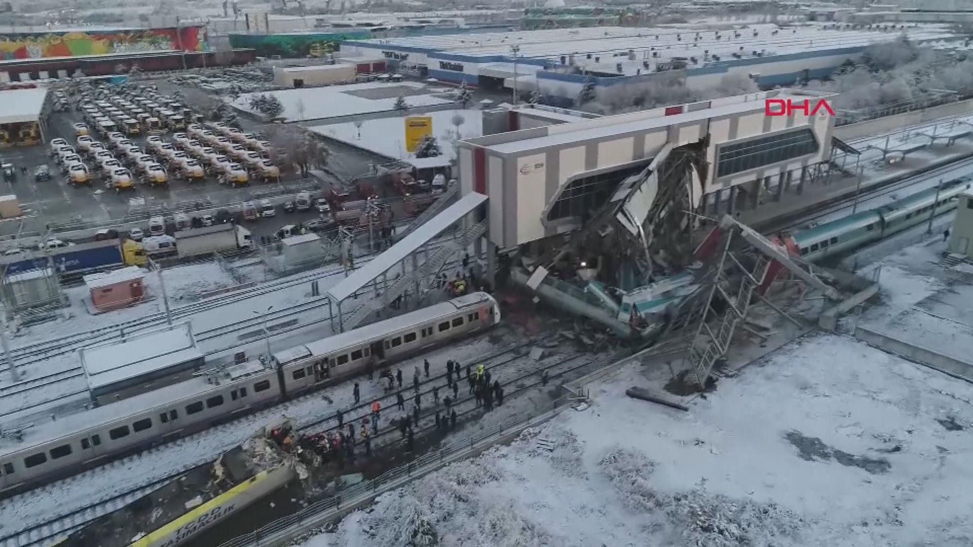 土耳其火車撞工程車出軌 至少7死