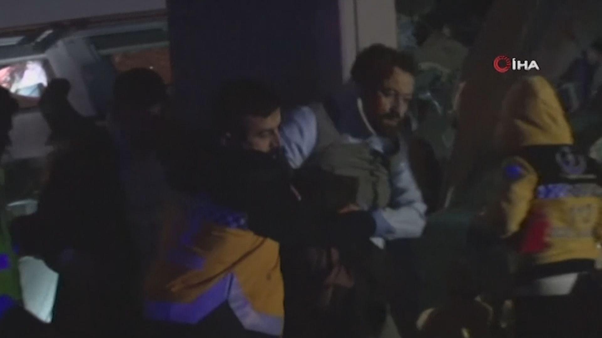 土耳其火車出軌九死 三名員工被拘留
